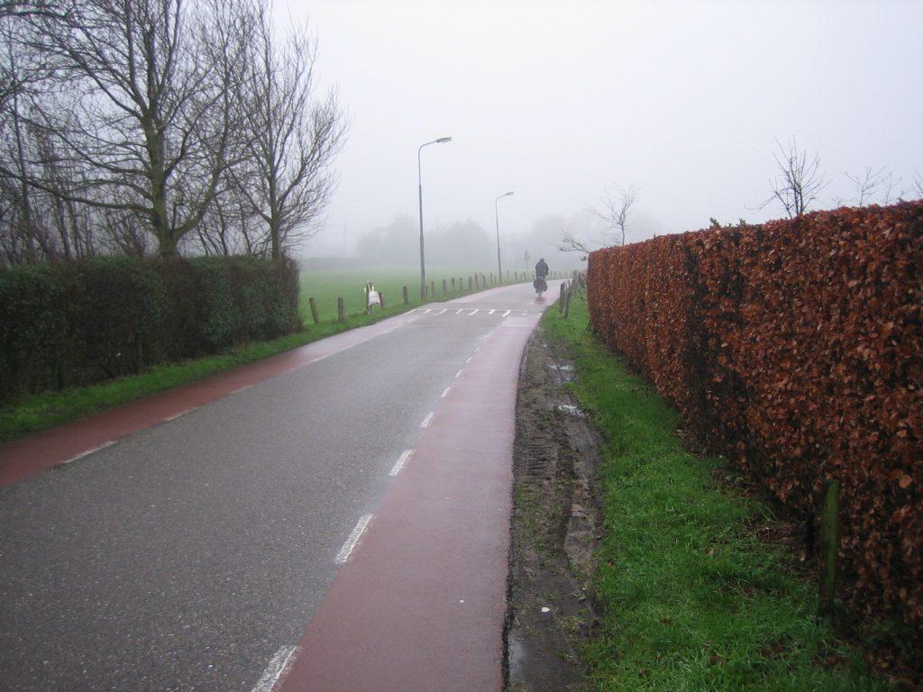 Foto 1: 'normale' fietskleding
