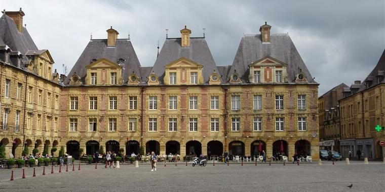 Place Ducale Charleville-M